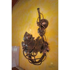 A wall wrought iron lamp  - Vine (SI0202)