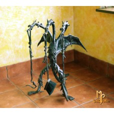 A fireplace tool set  Dragon (KK/08)