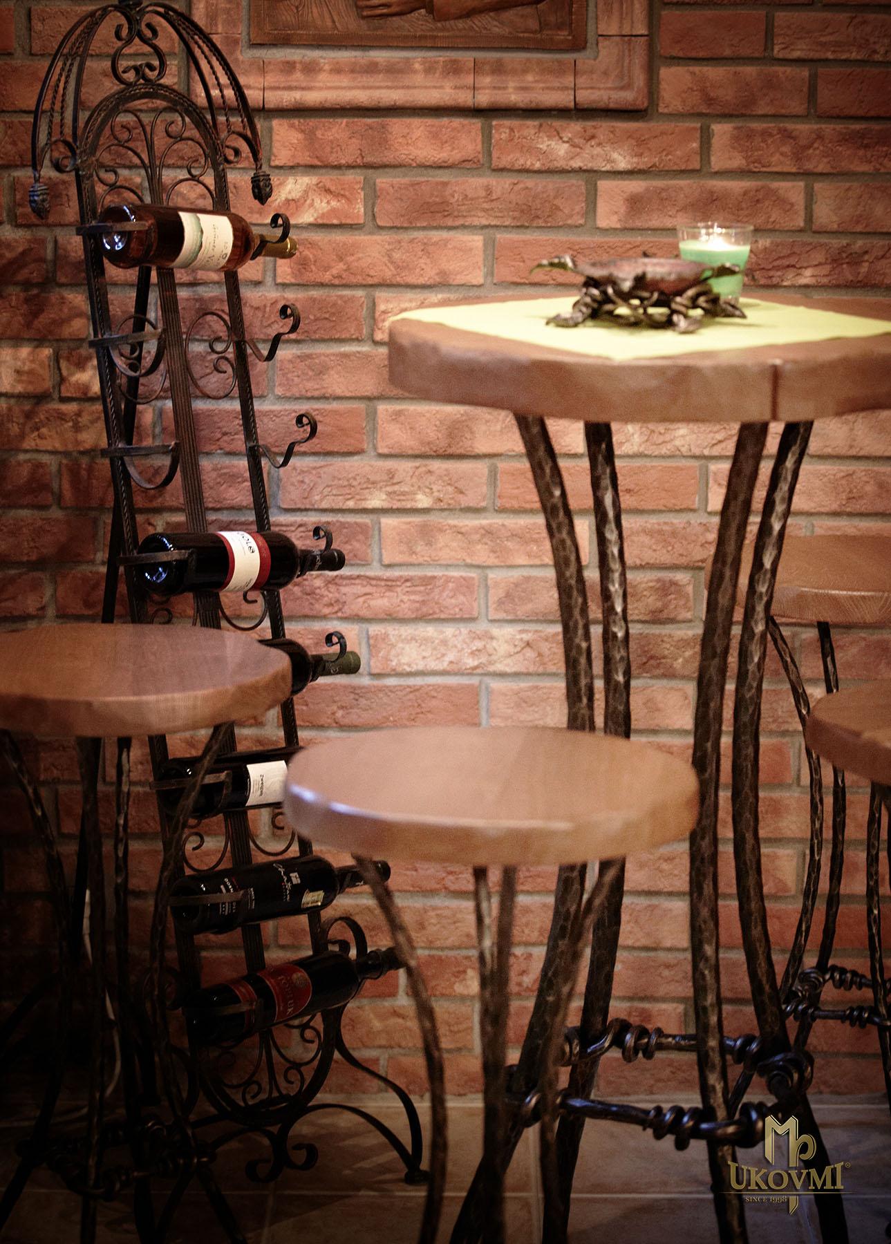 a087999434c2 ... Kovaný barový stôl - kovaný nábytok (NBK-102) ...
