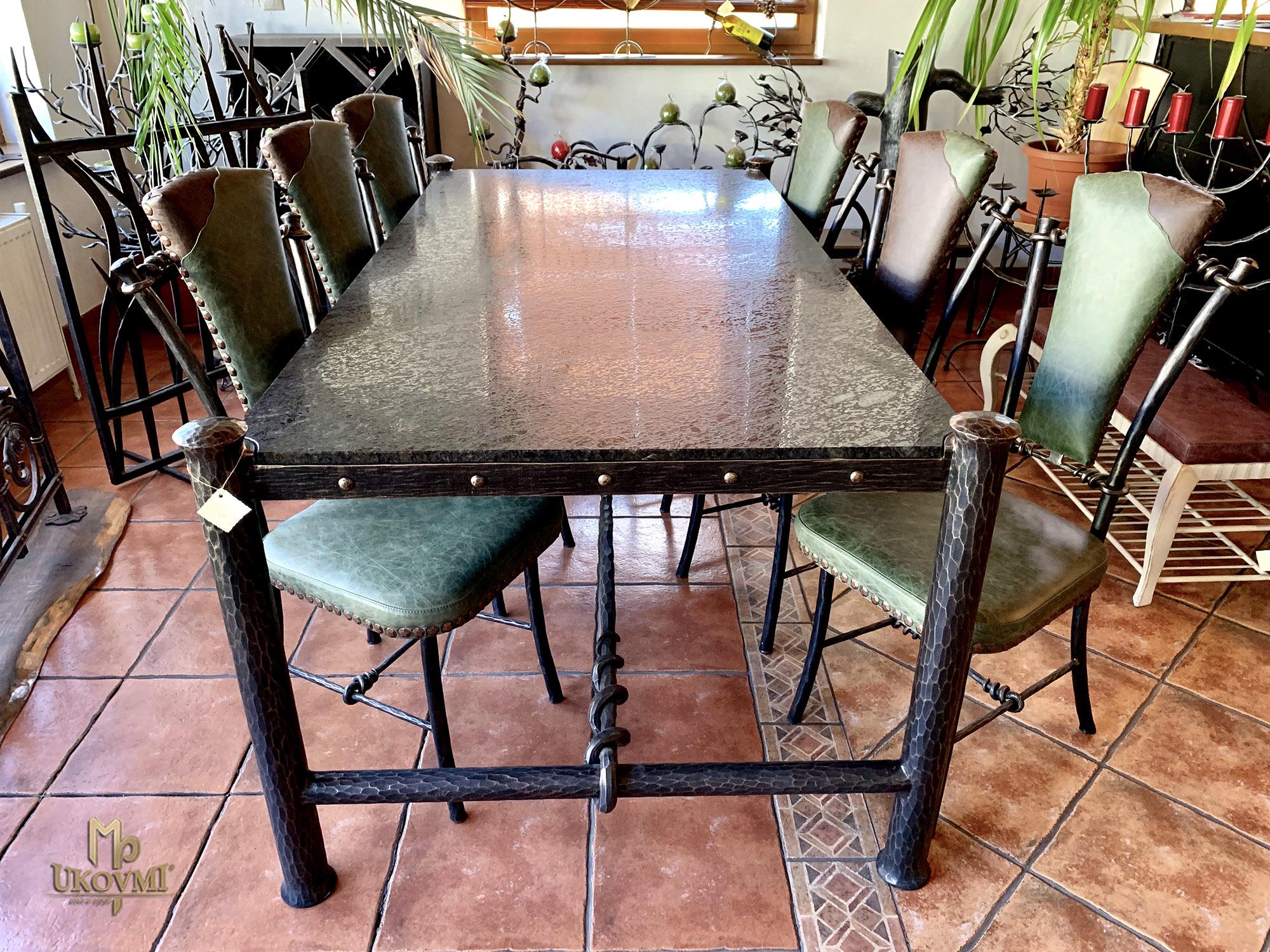 c84f10dfc6018 Luxusný jedálenský stôl - kovaný nábytok (NBK-56)