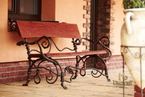 A wrought iron bench - garden furniture (SL-01)