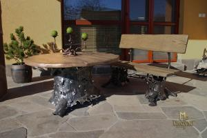 A wrought iron table - garden furniture (NBK-58)